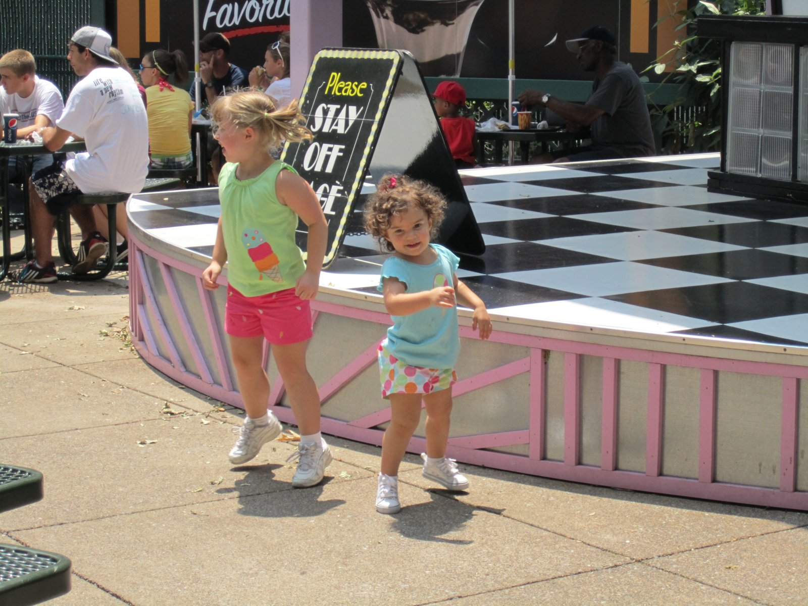 lilly and sofia dancing hershey park.jpg